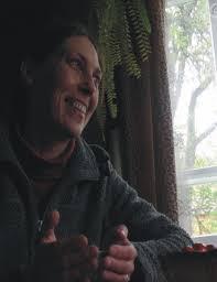 Pani Katarzyna Bielawska. - od lat zajmuje się ochroną dziedzictwa wielokulturowego regionu - 730