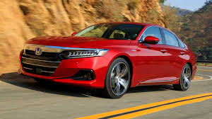 2021 <b>Honda Accord</b> Buyer's Guide: Reviews, Specs, Comparisons