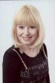 Ewa Złotowska studiowała reżyserię w Instytucie Teatralnym w Sankt Petersburgu. Od wielu lat zajmuje się również ... - ewa_zlotowska