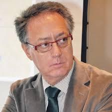 El Dr. José Luis Lancho es Catedrático de Anatomía Humana y Neuroanatomía de la Facultad de Medicina de la Universidad de Córdoba. - entrevista-al-dr-jose-luis-lancho-director-de-L-IS1YWH