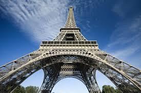 Resultado de imagen de torre eiffel 31 de marzo