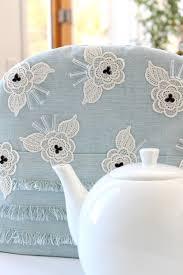 DIY Tea Cozy with Beaded <b>Lace Applique</b> | Dans le Lakehouse