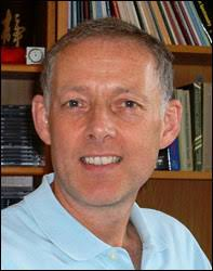 """Prof William Griffiths """"These two molecules are named cholic acid and 24S,25-epoxycholesterol, a bile acid and a close relative of cholesterol, respectively ... - Prof-William-Griffiths---portrait"""