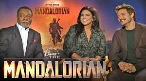 'The Mandalorian' Cast on <b>Joining the</b> '<b>Star Wars</b>' Universe (Full ...