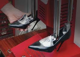"""<b>Растяжка обуви</b> в Москве в мастерской - """"Clean & Care"""""""
