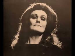 Dame <b>Joan Sutherland, the</b> Vocal Phenomenon in Full Splendor ...