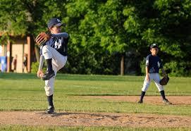 <b>Little</b> Leaguer's <b>Elbow</b> | Symptoms, treatment, surgery & pitch counts