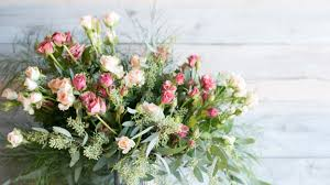 How To Arrange Flowers: <b>6 DIY</b> Floral Arrangements | Architectural ...