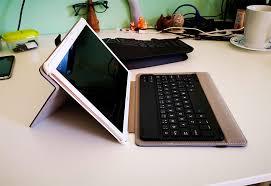 <b>Чехол</b> с <b>клавиатурой</b> для планшета