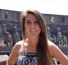 intern in florence cisabroad student study abroad rome colosseum photo head shot
