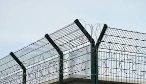 Charente-Maritime : un incendie se déclare dans une prison, un détenu meurt