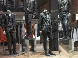 <b>Kenneth Cole to</b> Shut Down Almost All Its Brick-and-Mortar Stores ...