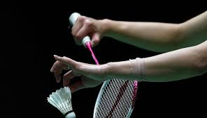 Image result for cara pegang raket badminton
