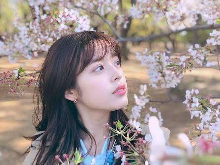 桜と矢作穂香
