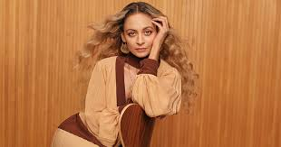<b>Nicole Richie</b> Makes Nice