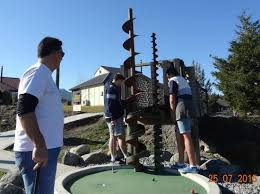 A <b>creative</b> obstacle - Picture of <b>Alpine</b> Crazy Putt & Village Cruisers ...