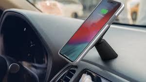 <b>Moshi</b> представила автомобильное крепление для iPhone и <b>USB</b> ...