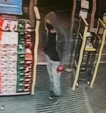 masked gunman remains at large after robbing pocatello walgreens masked gunman robs walgreens