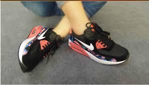 احذية air max ، nike  للبنات و الاولاد images?q=tbn:ANd9GcS