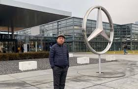 Richmond <b>man</b> went to <b>Mercedes</b>-<b>Benz's</b> German HQ to complain ...