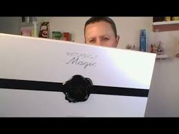 Viktor & Rolf - Magic Collection (First Impressions) - YouTube