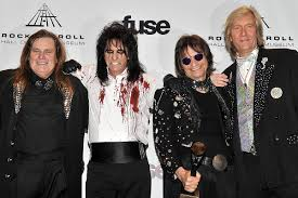Why <b>Alice Cooper</b> Band Wouldn't Write 'School's Out' Now