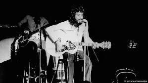 Between Folk and Islam: Yusuf/<b>Cat Stevens</b> at 70 | Music | DW ...