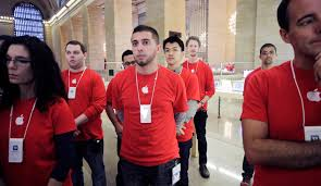 apple stores army long on loyalty but short on pay the new apple stores army long on loyalty but short on pay the new york times