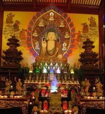 Điện thờ Phật tổ chùa Viên Giác