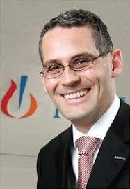 Schnelles Wachstum: Peter Maag, Vorsitzender der Geschäftsführung Novartis Deutschland GmbH, ist mit den neuen Produkten sehr zufrieden. Foto: Novartis - img127703