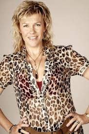 Outrageous Fortune… Robyn Malcolm as Cheryl | Art / Craft… Actors ... via Relatably.com
