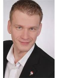 ... Dirk Hartmann; Emin Tuncay; Hendrik Jurgeit ... - A_0058b1e16578422180577ca6462e5cd7_iList
