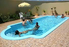 Resultado de imagem para piscina