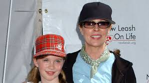Ireland Baldwin Looks Just Like Mom Kim Basinger | InStyle.com