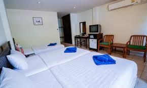 <b>KARON LIVING ROOM</b>   ⋆⋆⋆   THAILAND   SEASON DEALS ...