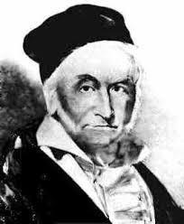 Carl Friedrich Gauß Zusammen mit Wilhelm Weber stellte Gauß 1832 ein physikalisches Maßsystem auf. In den nächsten Jahren beschäftigte ... - gauss3