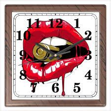 Часы квадратные из пластика (под дерево) Пуля во рту ...