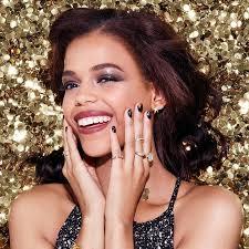 Holiday <b>Shimmery Glitter Eyeshadow</b> Look - Maybelline