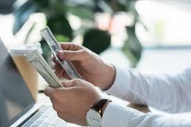 Jak odzyskać środki zgromadzone na rachunku VAT?