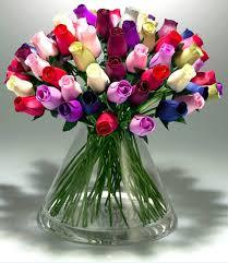 نتیجه تصویری برای تقدیم کردن گل