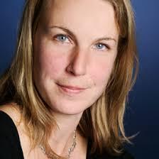 Britta Lange (Lektorat) wurde 1971 in Kettwig geboren. Sie studierte Literaturwissenschaft und Romanistik an der Heinrich-Heine-Universität Düsseldorf und ... - Britta