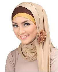Cara Memakai Jilbab Modern Untuk Wajah Bulat