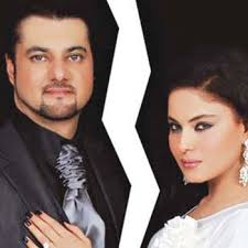 Veena Malik breaks her engagement with Faisal Akbar Khan. Tell your friends! Veena Malik breaks her engagement with Faisal Akbar Khan - Veena_Malik_Photo_Publicity2_640x480