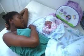 Resultado de imagem para bebês nascendo parto normal