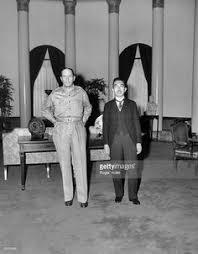 「general douglas macarthur meets emperor 1945」の画像検索結果