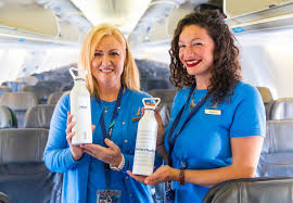 Airports and airlines want travelers to ditch their <b>plastic water bottles</b>