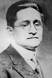 Julio César Tello