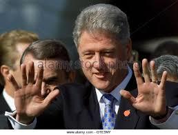 clinton hand gestures ile ilgili görsel sonucu