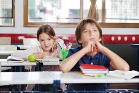 Resultado de imagen para niños atentos en clase