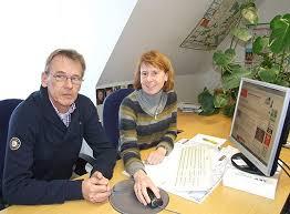 April, geht der 100.000-Rundschau-Artikel online – im Bild: Manfred Niebuhr (Leiter des Rundschau-Onlinedienstes) und Andrea Winterhalter, die sich um die ... - 100545_picture_1